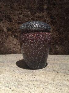 Blauw Paars gevlamde glazen urn middelgroot